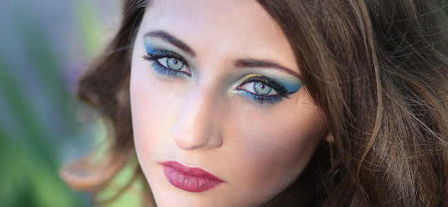 Make-up – Foundation & Rouge