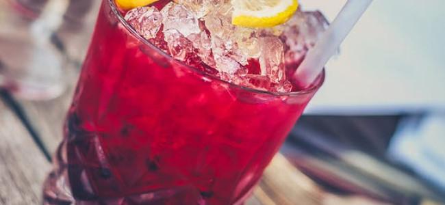 Gesunde Drinks: Wasserbalance im Körper aufrechterhalten
