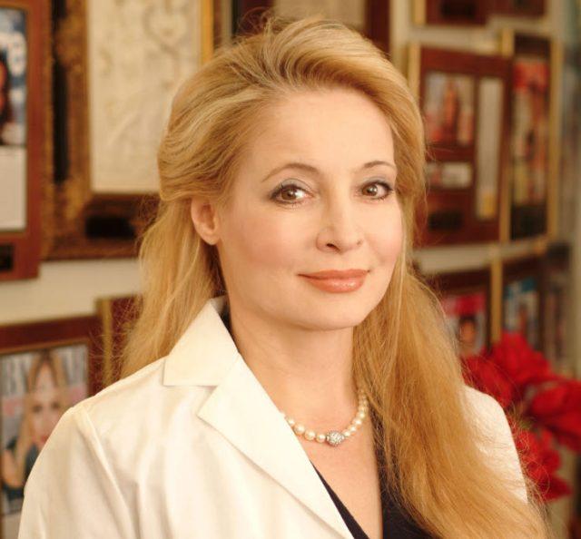 Interview mit Dr. Adriene Denese